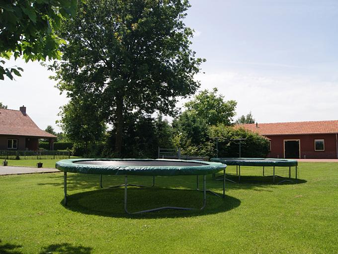 12-aandelinde-trampoline.jpg